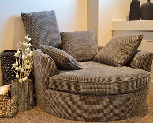 Интерьер, мебель в гостиной на немецком языке